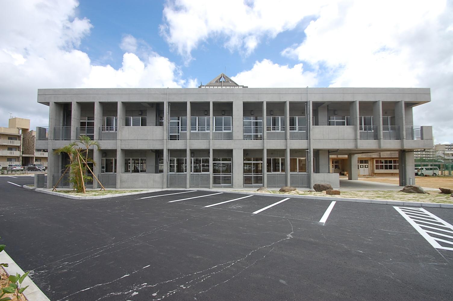 安岡中学校校舎増築工事